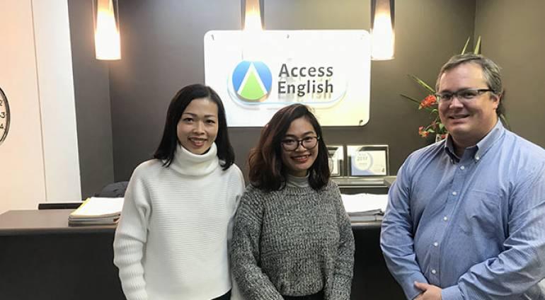 VietPhil Camp thăm và làm việc cùng trường Access English Canada