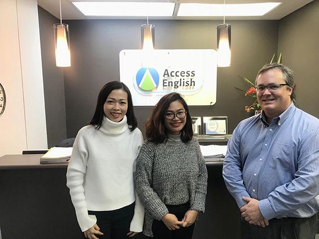 VietPhil Camp làm việc cùng Access English Canada