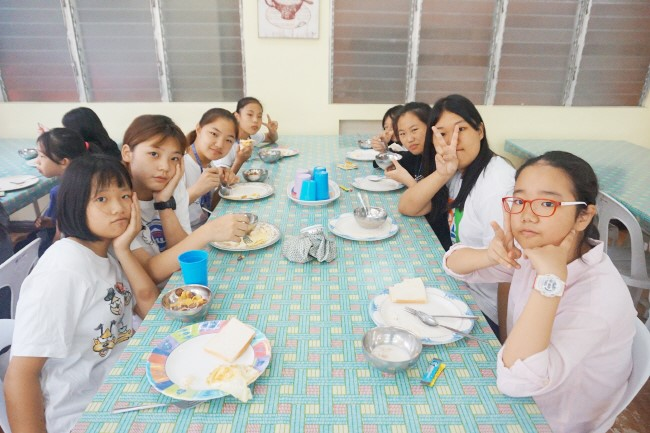 Trai he Tieng Anh VietPhil Camp tai truong EMO - Gio an (7)