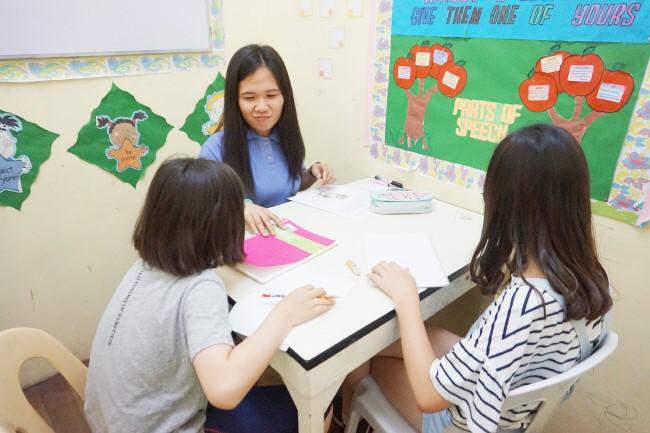 Trai he Tieng Anh VietPhil Camp tai truong EMO - Gio hoc (10)
