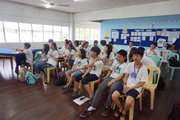 Trai he Tieng Anh VietPhil Camp tai truong EMO - Hung bien tieng Anh 9
