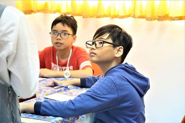 Trai he tieng Anh VietPhil Camp - Jerry 2