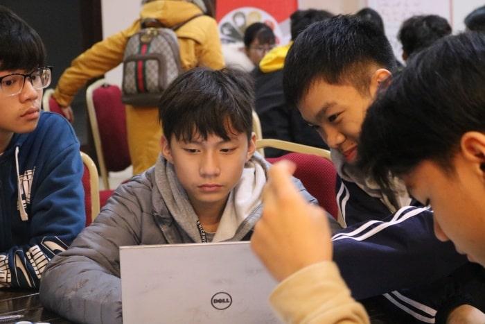 Các em được tham gia nhiều workshop tại trại hè của Vietphil